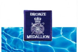 bronze-medallion-course-and-badge